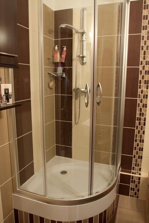 Paneltalanítsuk a fürdőszobát!  Lakjunk jól!